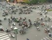 Skrzy�owanie w Hanoi zat�oczone motocyklami