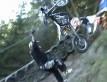 Motocyklowa wspinaczka podczas zawodów w Belgii