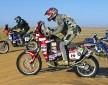 Dakar 2006 motocykle gdzies na Saharze z