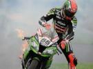 Tom Sykes i jego problemy z Kawasaki - sekwencja zdjęć