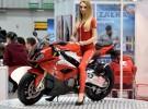 Najpi�kniejsze dziewczyny na warszawskiej wystawie motocykli i skuter�w