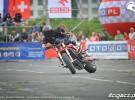 Ewolucje na motocyklach podczas Stunt Grand Prix 2012 - zdj�cia z bydgoszczy
