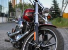 Muskularny custom od Harleya - Breakout na zdj�ciach