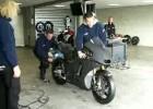 Motocykl Tech 3 Moto2 na torze