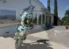 Stunt dookoła basenu u Dariusa Khashabi - Jorian Ponromaneff, Krazy Kyle i Ryan Moore