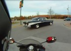 57 Chevrolet Bel Air vs motocykl
