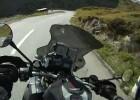 BMW R1200GS unika wypadku na krętej drodze