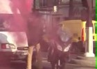 Dym z motocykla - flara na kasku