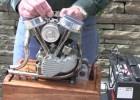 Działający model silnia Harley-Davidsona Panhead