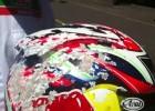 Kask po wypadku przy 200 km/h - Jonathan Rea i Arai RX-7 GP