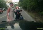 Kierowca skutera uderza w ciężarówkę