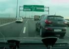 Motocyklista rozbija się na rosyjskiej autostradzie