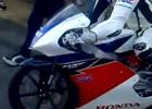 NSF250R - Alex Criville prezentuje Moto3 od Hondy