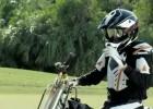 Rickie Fowler moto-golf - motocyklem na polu golfowym