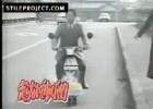 Super szybki, napędzany stopami skuter
