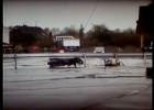 Zderzenie z bandą ochronną - crash test z użyciem manekina