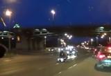 Motocyklista przygnieciony przez wlasny jednoslad - wypadek w Rosji