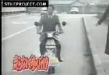 Super szybki napedzany stopami skuter