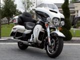 Harley Davidson Electra Glide Ultra Classic przod z