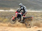 Nowa Honda CRF1000L AfricaTwin YM16 skoki z