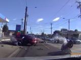 wypadek auto i dwa motocykle z