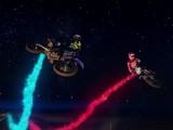 Red Bull Straight Rhythm przy sztucznym oswietleniu z