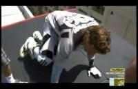 Travis Pastrana wykonuje backflipa nad budynkami