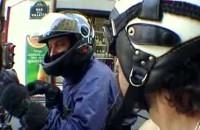 Zwariowany motocyklista w centrum Paryza