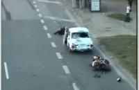 moto vs stupid car driver