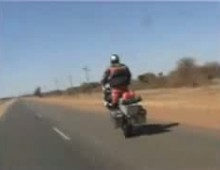 3-kilometrowe wheelie na R1200GS Adventure