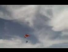 Travis Pastrana skok bez spadochronu