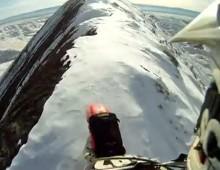 Jazda motocyklem po osniezonych gorach