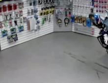 Stunt w sklepie - Nick Brocha i Ernie Vigil