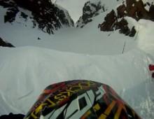 Wypadek widziany z gory - hillclimb na skuterze snieznym
