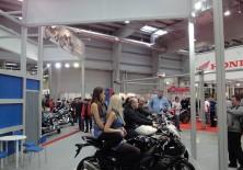 stoisko suzuki wystawa motocykli 2012