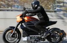 Harley Davidson LiveWire 0 100 przyspieszenie Vmax zasieg to zniszczy motocykle spalinowe
