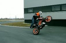 Stunt na KTMie Duke 125 - Rok Bagoros