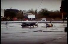 Zderzenie z banda ochronna - crash test z uzyciem manekina