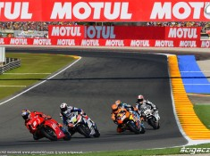 aprilia prowadzi motogp walencja 2016