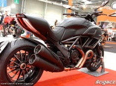 Diavel Dark