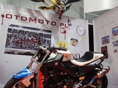 bmw stunt motocykl stoisko otomoto targi motocyklowe 2012