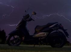 skuter w burzy2