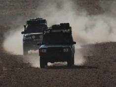 Jeepy jazda na pustyni
