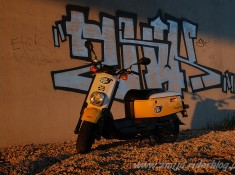 Yamaha Giggle graffiti pod siekierkowskim