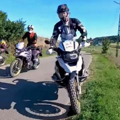 Kaszuby na motocyklu: słońce, woda i przygoda. Trasy motocyklowe na Kaszubach z Helios Moto Tours