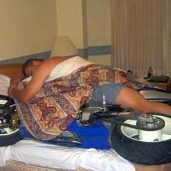 motocykl pod koldra sen z