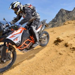 KTM 1290 Super Advenure R zjazd z