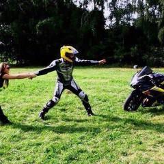 kobieta vs motocykl  z
