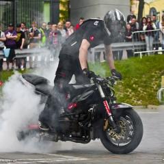 Lukasz FRS pali gume Moto Show 2014 z