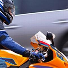 motocyklista na drodze 1 z
